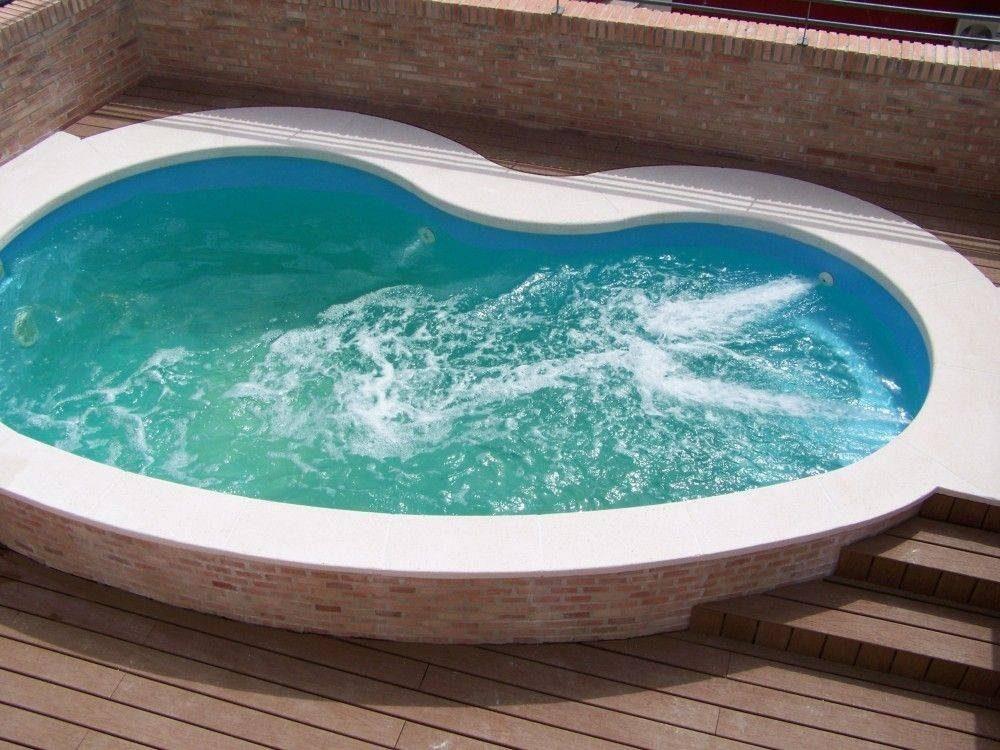 Piscina poliester r 5 codetrac s l expertos en piscinas for Oferta piscina poliester