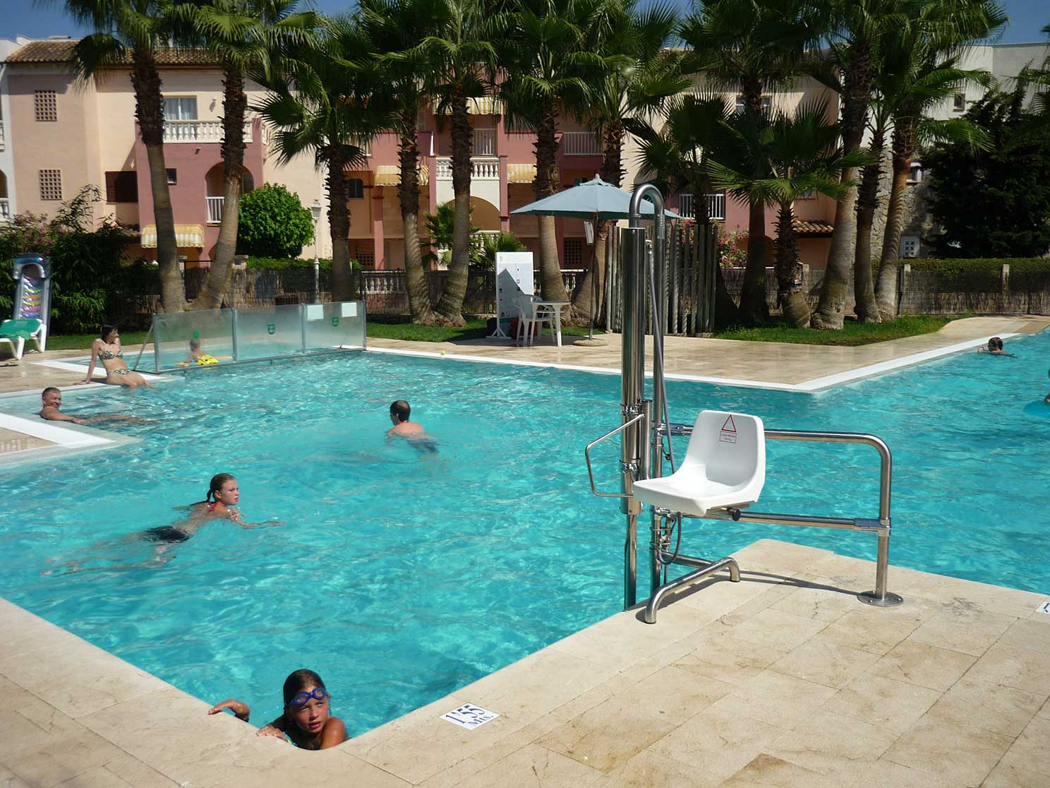 Material especial para discapacitados codetrac s l expertos en piscinas - Material para piscinas ...